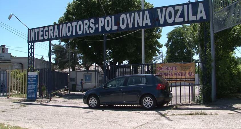 """Plac firme """"Integra Motors"""" na Starom sajmištu gde su Dragoslav Nikolić i Mihajlo Nikolić kupili automobile."""