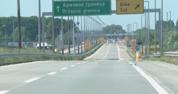 Hrvati kaznjavaju Pogresan Prelazak Granice.wmv_000000489