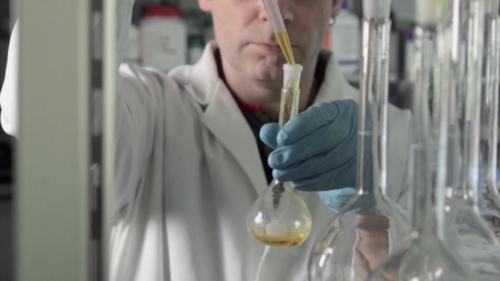 Hemikalije u odeci istrazivanje Greenpeace.wmv_000156000